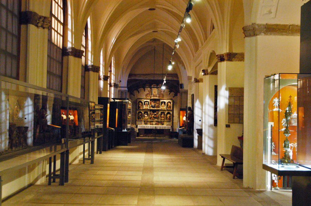 Santo Domingo de la Calzada - Claustro y exposición de la Catedral del Salvador